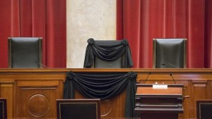 scalia chair in black